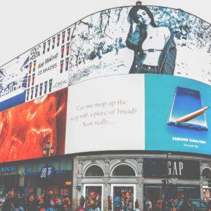 Les différents types d'affichage : image d'une campagne d'affichage en installation unbaine